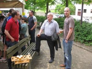 Saufende Männer in Iddenheim