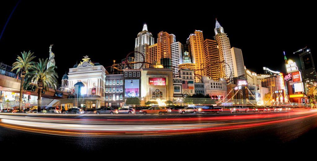 Bild von Las Vegas zur Illustration des Themas Wahrscheinlichkeiten beim Wetten
